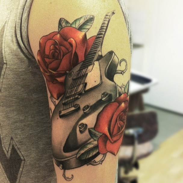 Guitarr roses by O